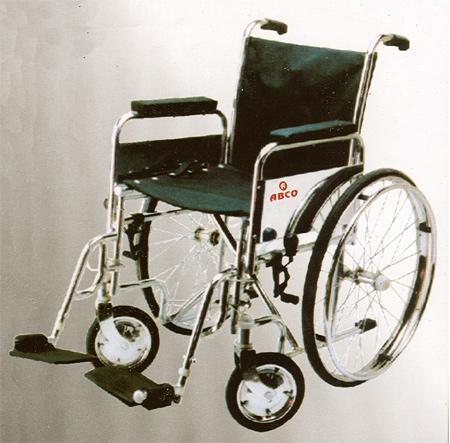 Folding Wheel Chairs in  Lajpat Nagar - Iii