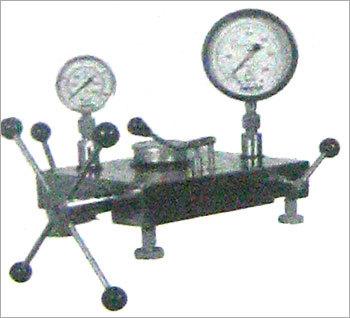 Gauge Comparison Tester in   Ghandhinagar