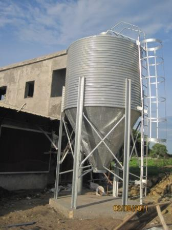 Feed Silo For Poultry Houses