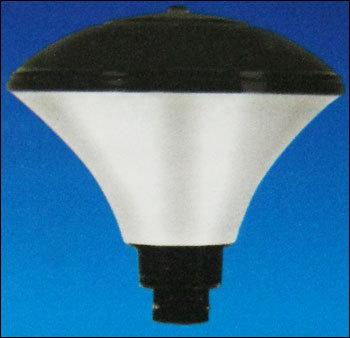 Oxygen-O Lamppost