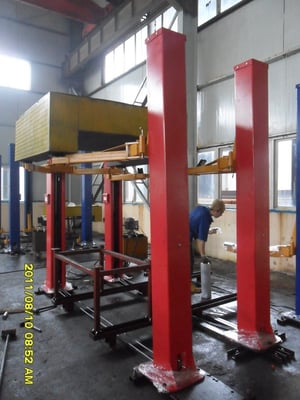Two Racks Hydraulic Lifts DTPF609
