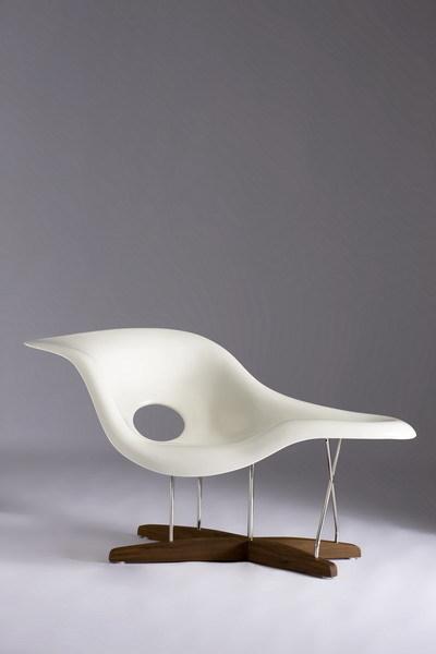 Eames La Chaise Chair