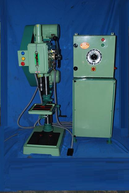 Auto Pitch Control Tapping Machine