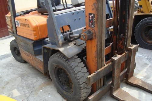 2 5T Used Toyota Forklift at Best Price in Shanghai
