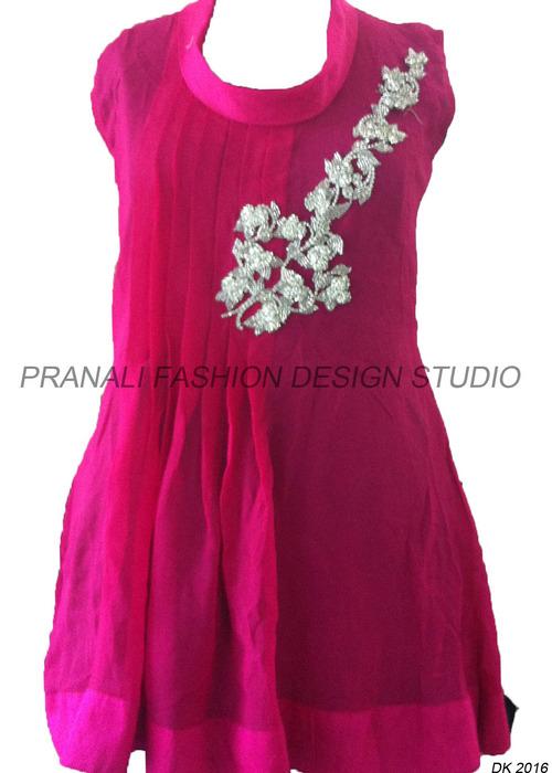Designer Kurti And Tunic At Best Price In Surat Gujarat Pranali Fashion Design Studio