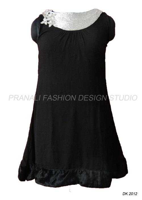 Ladies Designer Kurtis At Best Price In Surat Gujarat Pranali Fashion Design Studio