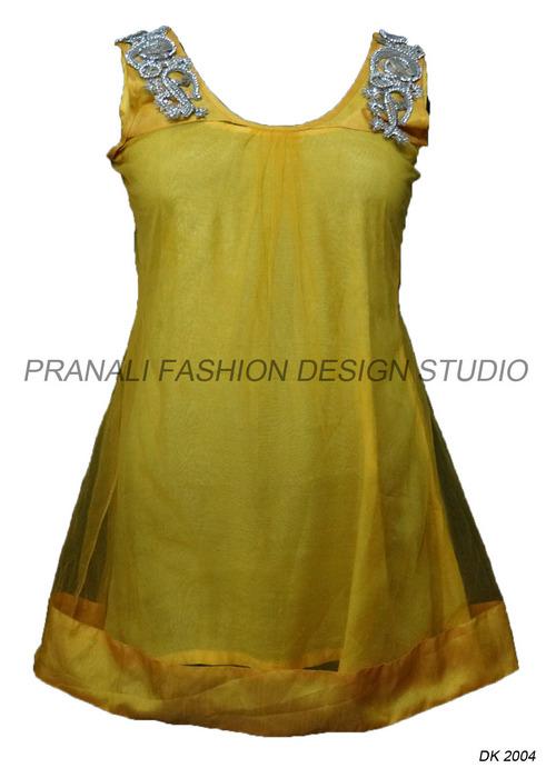 Ladies Fashion Kurtis At Best Price In Surat Gujarat Pranali Fashion Design Studio