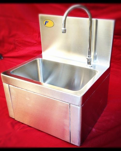 Knee Operated Hand Wash Sink At Price Range 1 00 150 00