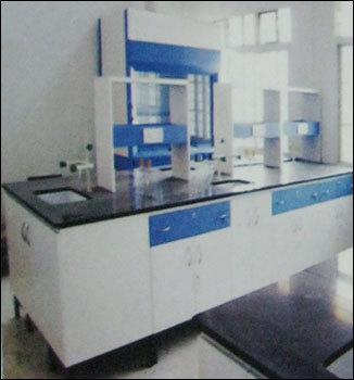 Laboratory Desks & Workstations