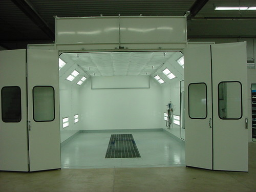 Automobile Refinishing Booth