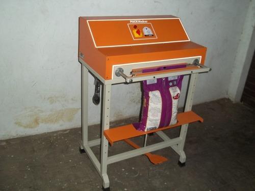 Powder Packaging Machinery in  Atika