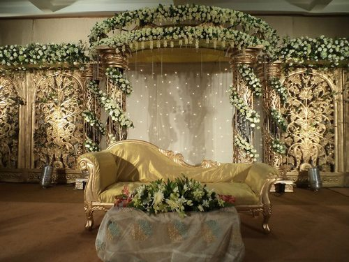 Wedding Ceremony Flower Stage Decoration Service
