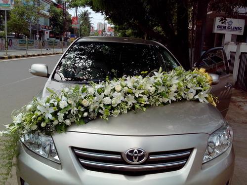 Bridal Car Flower Decoration Service in Kaloor, Kochi ...