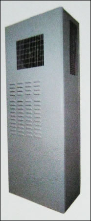 Air Conditioner With Emergency And Free Cooling