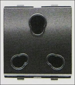 6 And 16a Universal Socket (2 Modules)