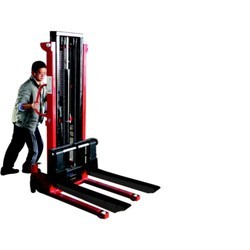 Hand Hydraulic Manual Stacker in  2-Sector