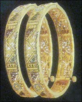 Skin-Friendly Gold Bangles