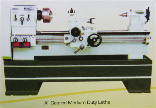 All Geared Medium Lathe Machine