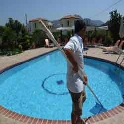 Pool Maintenance and Cleaning Services