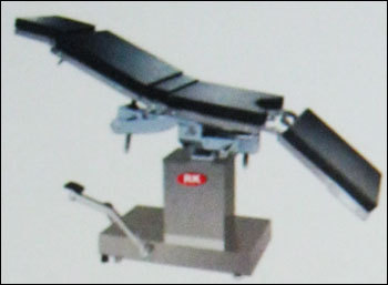 Super Deluxe Hydraulic Operation Table