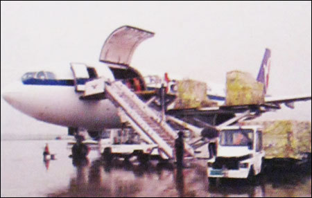 Air Freight Services in  Chiranjiv Tower (Nehru Place)