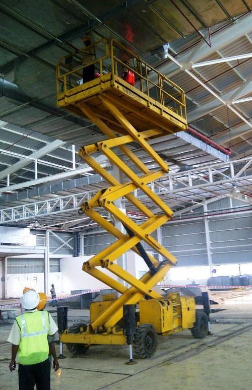 Scissor Lift Platform in  New Link Road-Andheri (W)