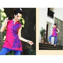 Ladies Designer Pink Short Kurtis