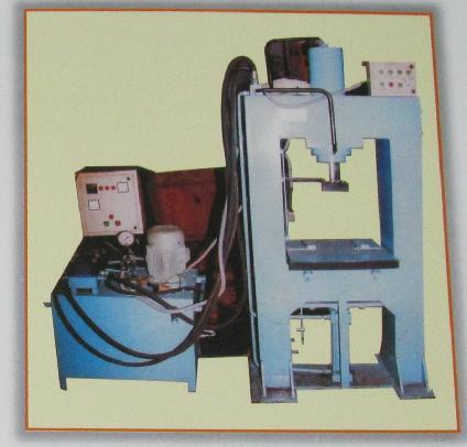 Automatic Hydraulic Paver D.Moulding Machine