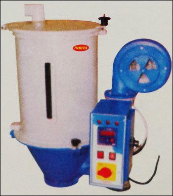 Hopper Dryer in  Vasai (E)