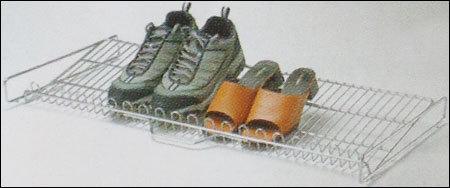 Shoe Pullout