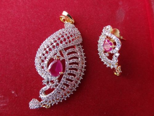 Diamonds Earring And Pendent