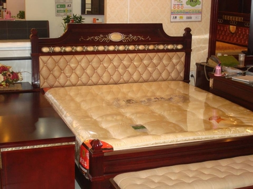 Double Bed in  Kirti Nagar