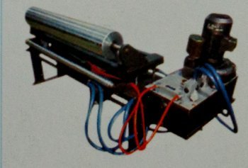 Tracking Roller Assembly