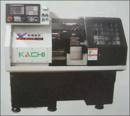 Cnc Turning Machine (Yj Ck32i) in  Pankha Road