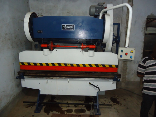Mechanical Press Breaking Machine