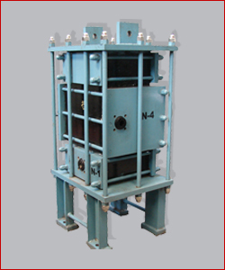 Graphite Heat Exchanger With Handle Corrosive Fluids On Service Side