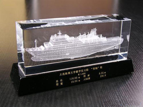 Customized 3d Laser Engraving Crystal Glass Ship Boat Model