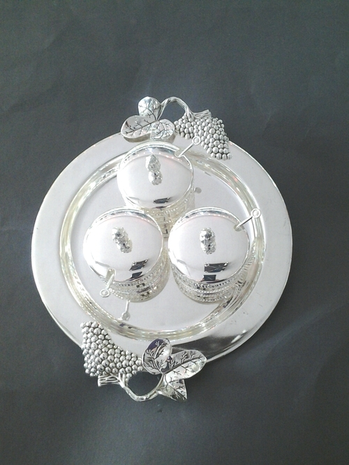 Tea Set With Silver Plated in  Lajpat Nagar - I