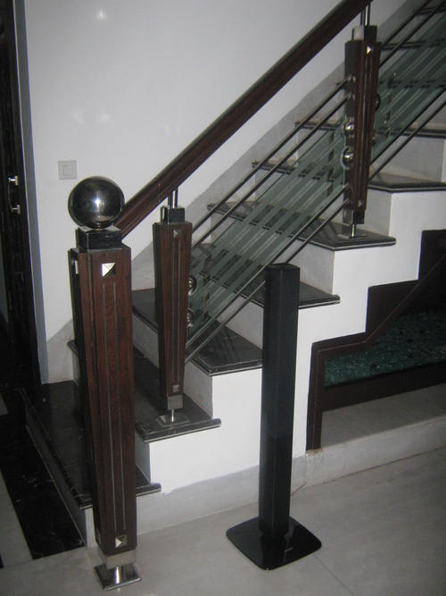 Attractive Stainless Steel Railing at Best Price in Ludhiana