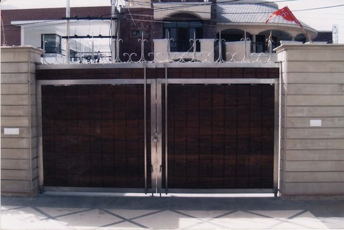 Stainless Steel Gate at Best Price in Ludhiana, Punjab