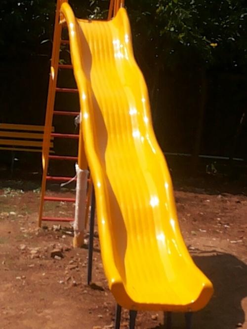 1.5 Mtr Wave Slide With Ladder