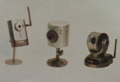 Wired & Wireless IP Cameras