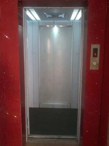 Automatic Glass Door Elevator In Mira Bhayandar Maharashtra Safe