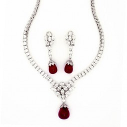 Round 4 Prong Solitaire Diamond Necklace Set