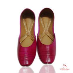 Pink Traditional Ladies Juttis