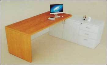 Executive Table (ET3)