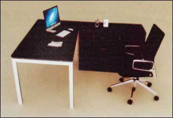 Executive Table (ET4)