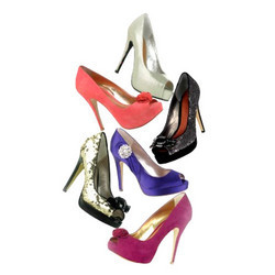 Ladies Fashionable Shoes in  60-Sector