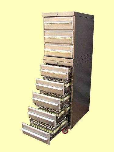Punch Storage Cabinets in   Dist. Palghar
