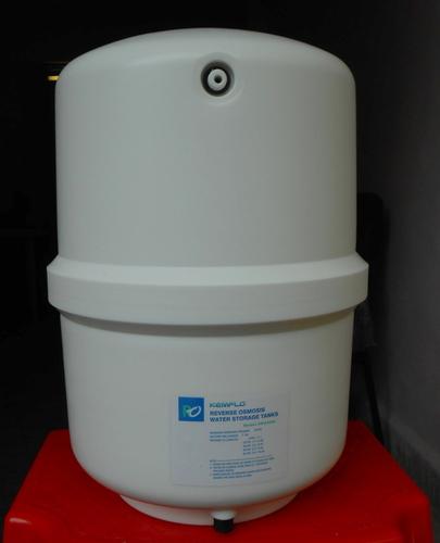 Pressure Tank For Water in  Dewan & Shah Indl.-Navghar-Vasai (E)